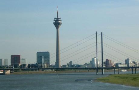 Düsseldorf ich liebe das leben unbändig verzweifelt und